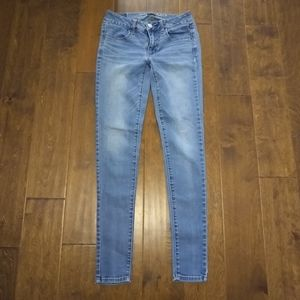 American eagle size 2 long skinny jeans stretch